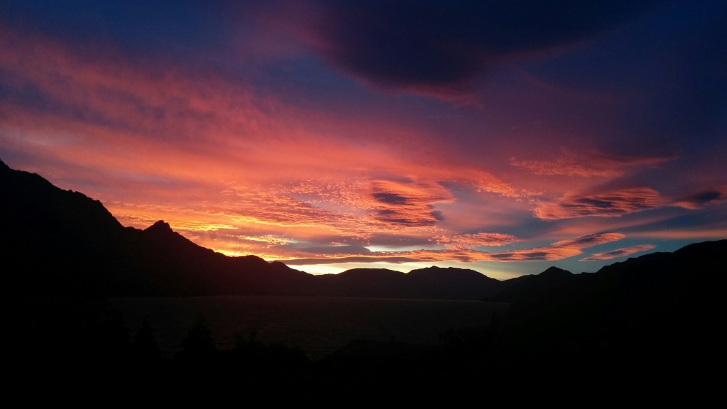 Sunset over Lake Wakatipu, viewed from Kelvin Heights