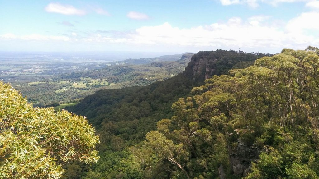 Kangaroo Ridge Trail, Barren Grounds Nature Reserve