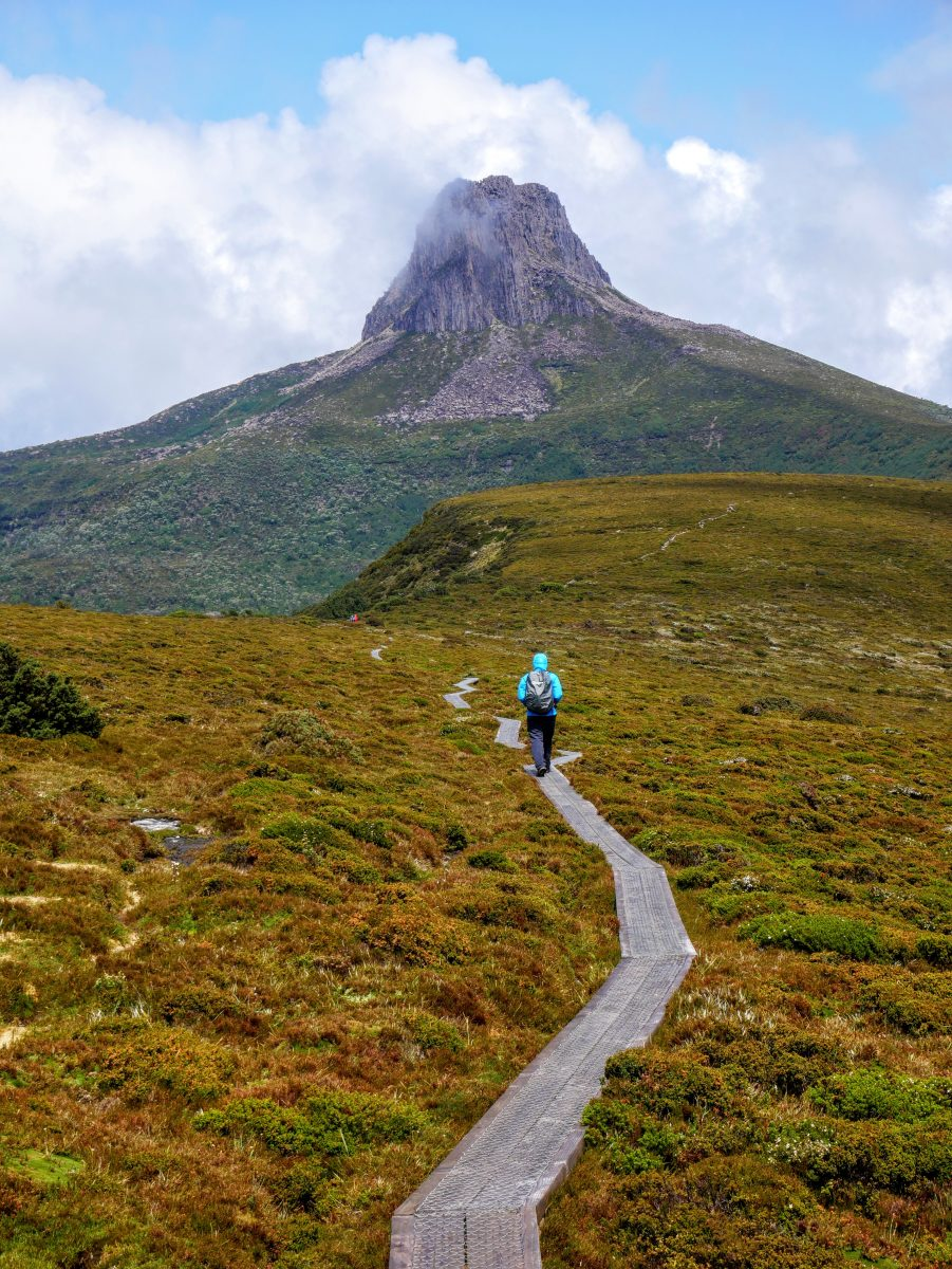 Barn Bluff ascent, Cradle Mountain-Lake St Clair National ...
