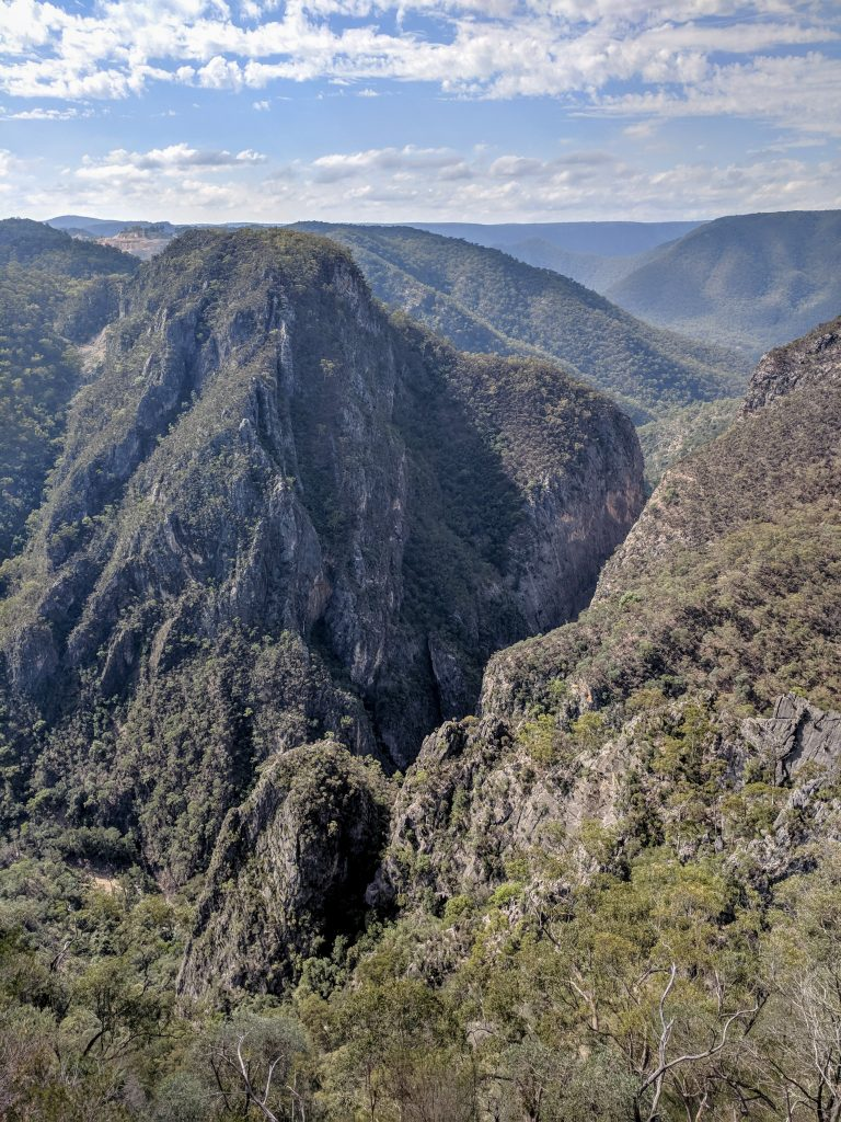 Green & White Tracks, Bungonia National Park